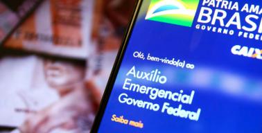 notas de Real e aplicativo do auxílio emergencial